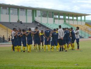 Rondoniense fez reconhecimento de campo no Aluizão na sexta, 3 (Foto: Jheniffer Núbia/GE)