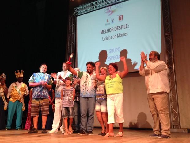 Unidos dos Morros ganhou na categoria melhor desfile (Foto: Orion Pires / G1)
