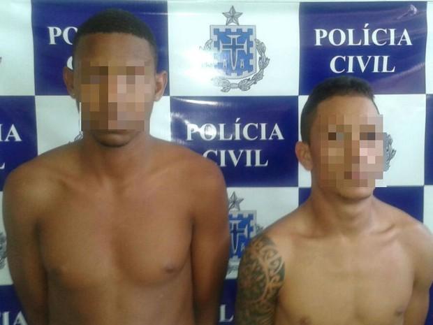 Além dos três mortos, outros dois suspeitos foram presos (Foto: Divulgação/Secretaria de Segurança Pública)