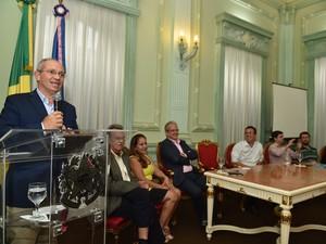 O anuncio do edital foi feito no Palácio Anchieta, em Vitória.  (Foto: Thiago Guimarães/ Secom)