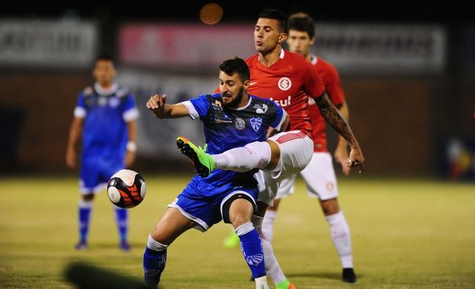 2c4d5d9f4fa Cuesta Inter x Cruzeiro-RS (Foto  Ricardo Duarte Divulgação Inter) Cruzeiro  venceu o Inter por 2 ...