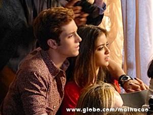 Serguei e Flaviana ficam chocados com a atitude da loirinha (Foto: Malhação / TV Globo)