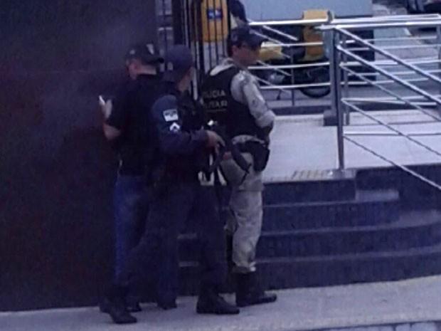 PM negociou com assaltante que acabou se entregando (Foto: Divulgação/Polícia Militar do RN)