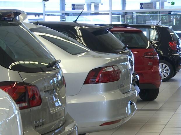 Venda de carros tem queda em Taubaté (Foto: Reprodução/TV Vanguarda)