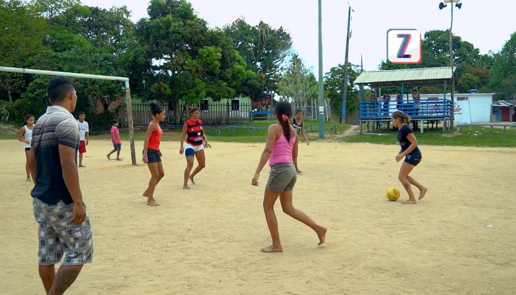 Em Manaus, as mulheres mandam bem no futebol (Foto: Produção/ Zappeando)