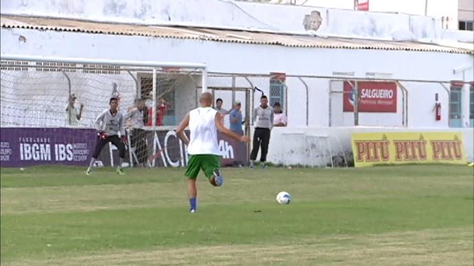 O time está ajustando os detalhes para o jogo contra o Náutico (Foto: Reprodução/Tv Grande Rio)