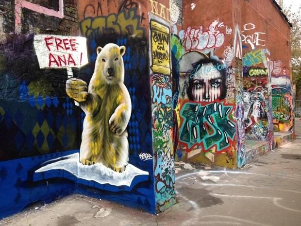 Mural de Eduardo Kobra em Moscou pede a libertação de Ana Paula Maciel (Foto: Andressa Munin/Divulgação)