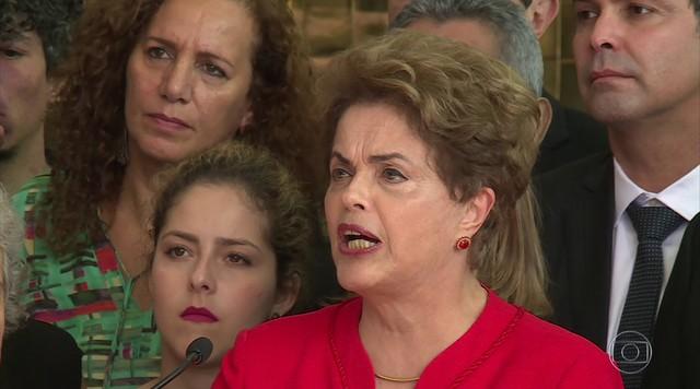 Dilma promete oposição incansável ao governo Temer