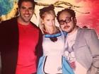 Paris Hilton se veste de 'Alice' em festa de aniversário