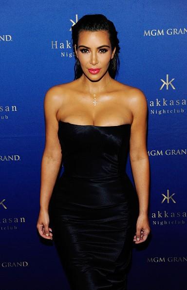 Kim Kardashian usa tubindo preto (sexy!) para noitada em Las Vegas (Foto: Getty Images)
