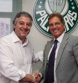 Paulo Nobre e Oswaldo de Oliveira (Foto: Cesar Greco/Ag Palmeiras/Divulgação)