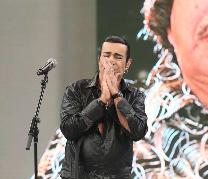 Elymar Santos se emociona com depoimento de Calby Peixoto (Foto: Carol Caminha/Gshow)