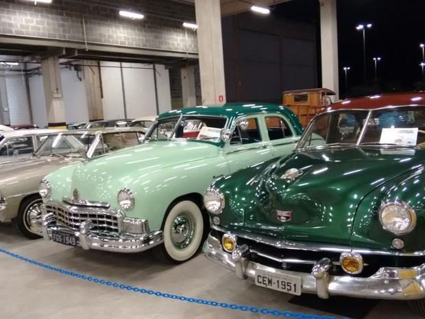Exposição de carros antigos acontece até domingo (20) no estacionamento coberto do Novo Shopping (Foto: João Paulo Coutinho / Divulgação)