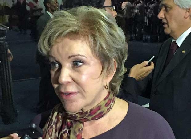 Marta Suplicy concede entrevista no Salão Verde do Senado (Foto: Lucas Salomão / G1)