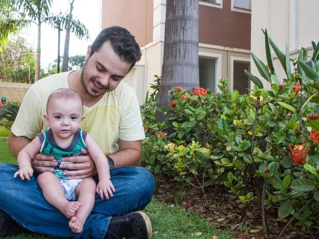 Padovani com o filho Arthur em Araraquara (Foto: Marcos Leandro/Tribuna Araraquara)