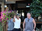 Depois de curtir praia, Bruce Springsteen vai a churrascaria