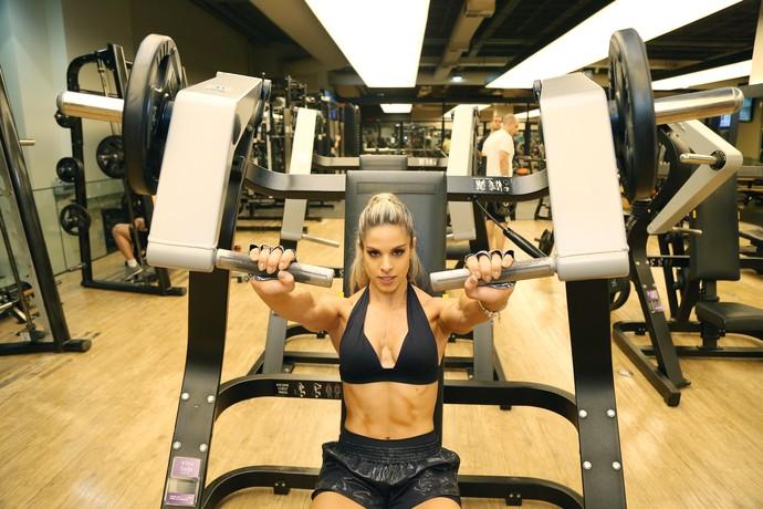 Raquel Guarini tem facilidade para ganhar braços (Foto: Carol Caminha/Gshow)