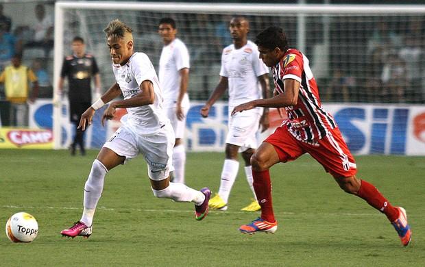 Neymar na partida do Santos contra o Botafogo-SP (Foto: Lucas Baptista / Ag. Estado)
