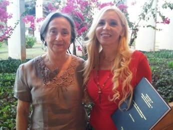 A professora Sara Almarza e a romani Paula Soria (Foto: Isabella Calzolari/G1)