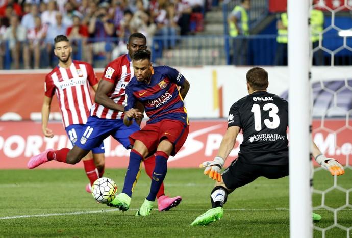 Neymar conclue a gol Atlético de Madrid x Barcelona (Foto: EFE / Alberto Martín)