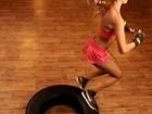 Dany Bananinha mostra a boa forma em treino com pneus