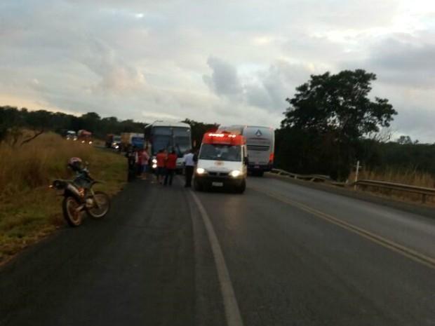 Caso ocorreu no Km-145 da BR-202, na altura de São Desidério (Foto: Edivaldo Braga/Blog Braga)