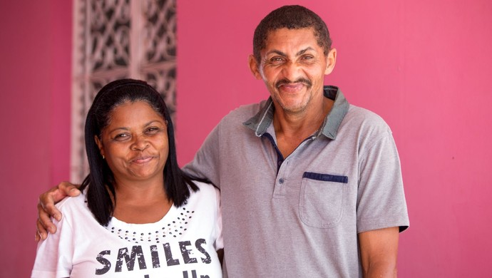 Felizes com o sucesso do filho, pais de Marinho não deixam de manter contato com o filho  (Foto: Jonathan Lins / GloboEsporte.com)