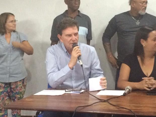 Crivella visitou o Sindsprev, no Centro do Rio (Foto: Matheus Rodrigues/G1)