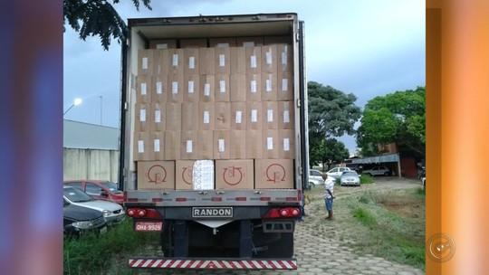 Polícia de Jales apreende caminhão com cigarros contrabandeados