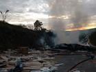 Bombeiros atendem ocorrência de incêndio em caminhão na BR-251