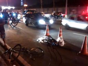 Ciclista morreu no local do acidente (Foto: Orlando Corrêa/TEM Você)