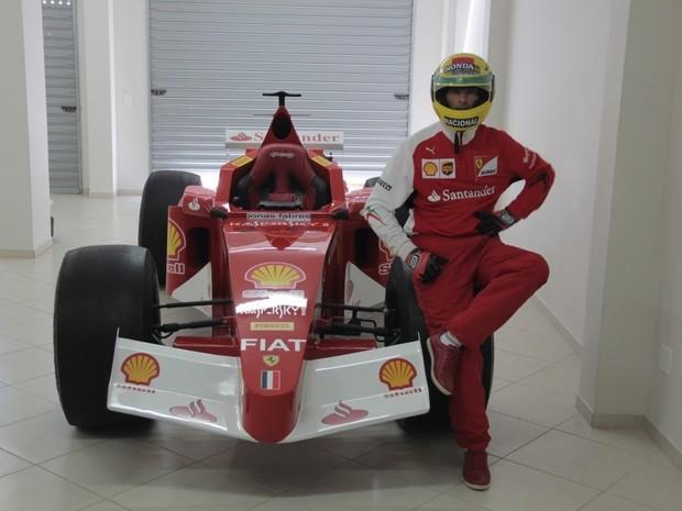 Soldador do Espírito Santo fez carro até com peças da Itália (Foto: Wing Costa/ Gazeta Online)