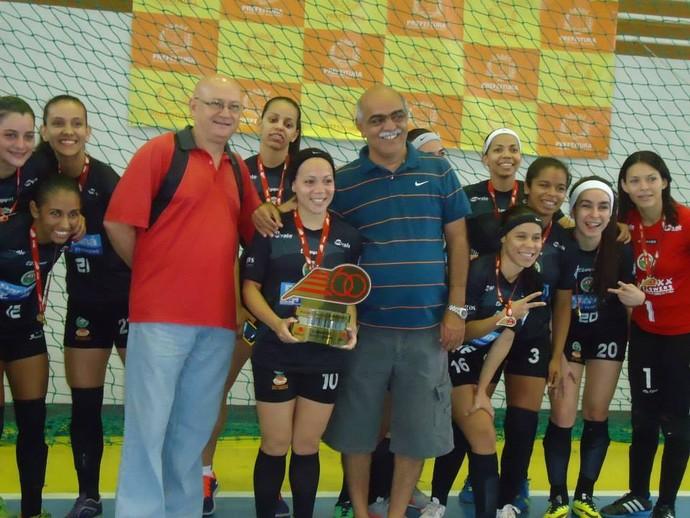 Time de futsal feminino, de Valadares, já conquistou quatro títulos mineiros.  (Foto: Reprodução/Prefeitura de Governador Valadares)