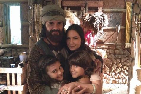 Jorge Pontual, Rayana Carvalho, Nicole Orsini e Arthur Morais nos bastidores de Os Dez Mandamentos (Foto: Arquivo pessoal)