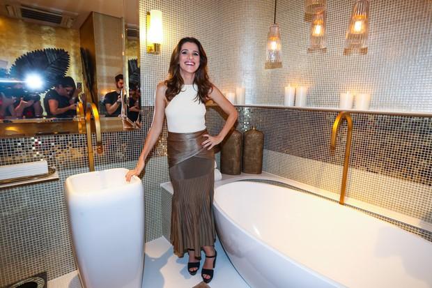 Ingrid Guimarães inaugura banheiro público chique (Foto: Manuela Scarpa/Photo Rio News)