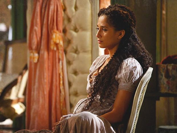 Isabel fica arrasada ao se lembrar da despedida de Zé Maria (Foto: Lado a Lado / TV Globo)