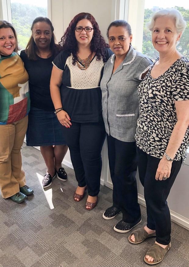 A equipe da OSC com Carminha e Márcia (Foto: Anita Porfirio)