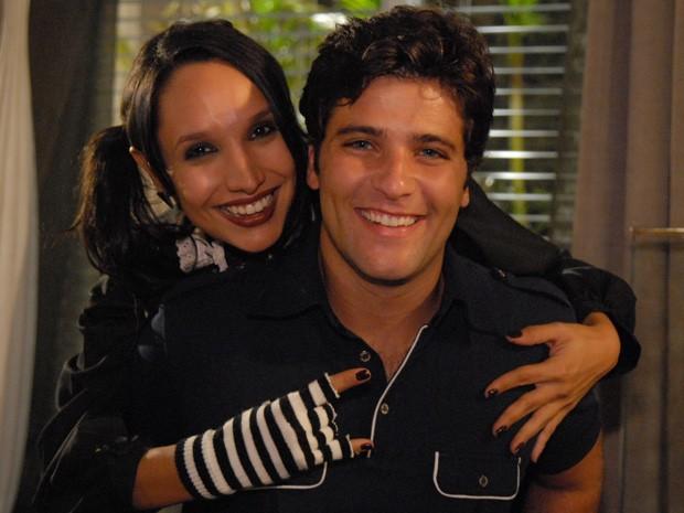Ao lado de Maria Maya, com quem contracenou na novela de Glória Perez (Foto: Thiago Prado Neris/TV Globo)