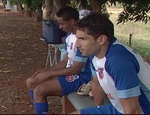 O capitão Henrique está lesionado e ficou apenas no banco (Foto: Reprodução/TV Integração)