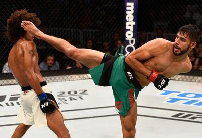 Yair Rodríguez x Alex Caceres UFC (Foto: Getty Images)