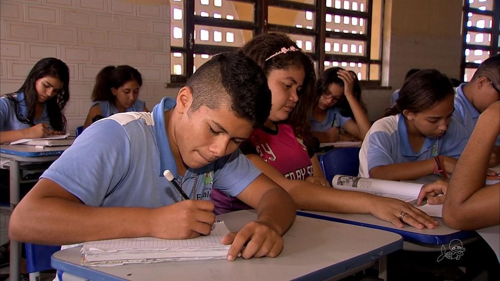 200 escolas serão reformadas até 2020, conforme cronograma divulgado pela Prefeitura de Fortaleza (Foto: TV Verdes Mares/Reprodução)