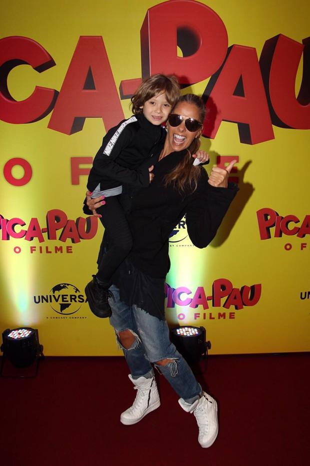 Adriane Galisteu e Vittório Galisteu (Foto: Manuela Scarpa/Brazil News)