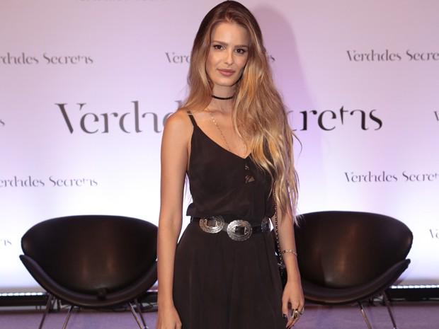 Yasmin Brunet estreia na TV como a modelo Stephanie (Foto: Felipe Monteiro/ Gshow)