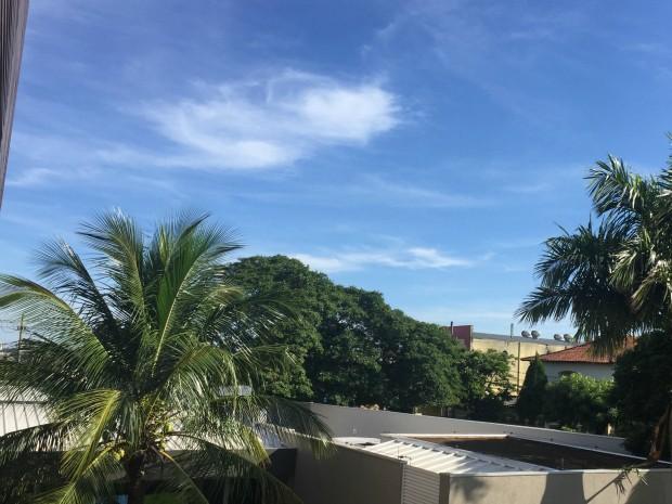 Céu de Campo Grande nesta segunda-feira (18) (Foto: Gabriela Pavão/ G1 MS)