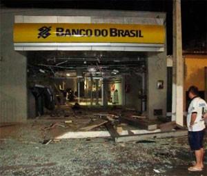 Agência do Banco do Brasil foi explodida no Alto do Rodrigues (Foto: AltoNotícias)