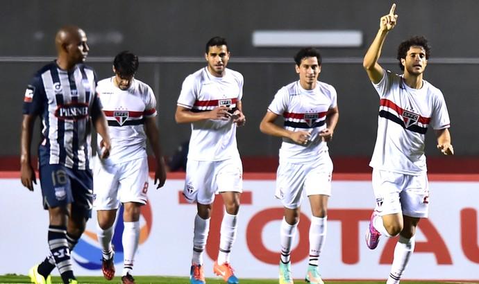 Hudson comemora gol do São Paulo contra o Emelec (Foto: Agência AFP)