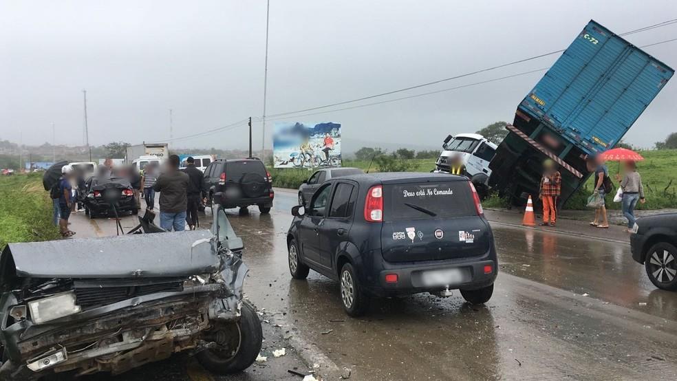 Causa do acidente não foi informada (Foto: Ana Rebeca Passos/TV Asa Branca)