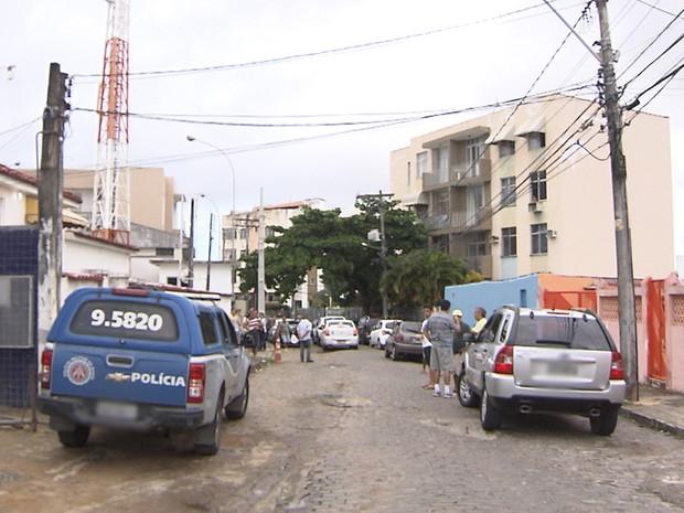 Crime ocorreu no bairro de Vila Laura, em Salvador, neste domingo (Foto: Imagem/TV Bahia)
