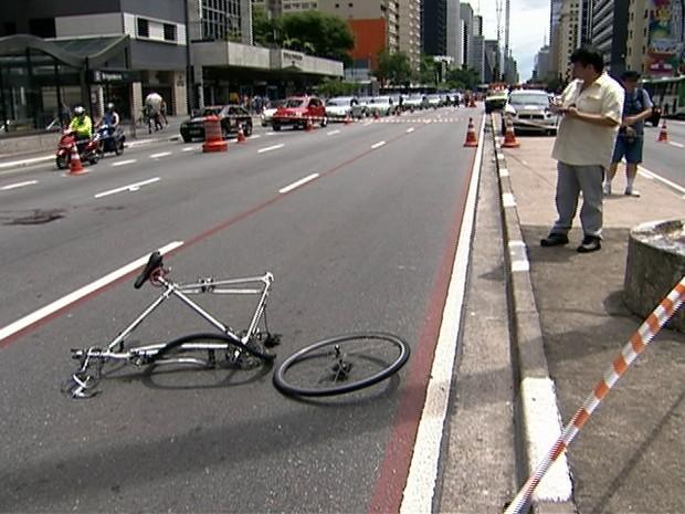 Preso o homem acusado de atropelar ciclista e fugir sem prestar socorro em SP (Foto: Reprodução Globo News)