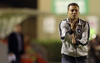 """""""Meio travado"""", Botafogo pode crescer com Jair Ventura, diz colunista"""